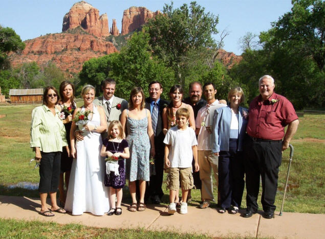 L to R: Mary, Karen, Dorothy, Frank, Cailey, Jenny, Michael, Rachel, Zach, Paul, John, Kathy, Joe